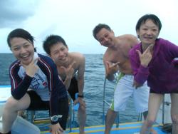 こんな天気だけど、海は最高~~!!!